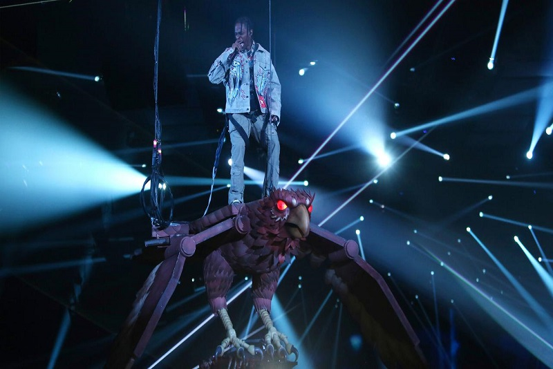 Rapper Travis Scott Tampil Anti Mainstream di MTV European Music Awards 2017