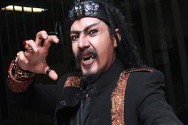 Limbat Gigit Telinga Demian Aditya?... Ada Apa Ya!!!