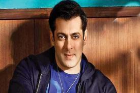 Salman Khan Kembali Aksi Turun dalam Film Race 3!