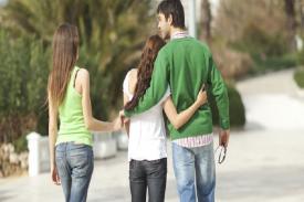 Yakin Cowokmu Masih Cinta Sama Kamu? Ini 8 Kalimat yang menunjukkan Dia tidak Cinta kamu lagi