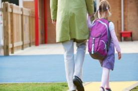 Sudahkah Mengantar Anak di Hari Pertama ke Sekolah?