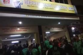 Tukang Ojek Online di Keroyok Karyawan Geprek Ruben Onsu