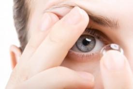 Hal yang Harus Kita Perhatikan saat Menggunakan Lensa Kontak